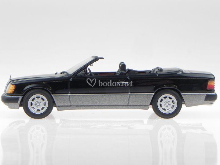 Mercedes A124 negro 4 plazas