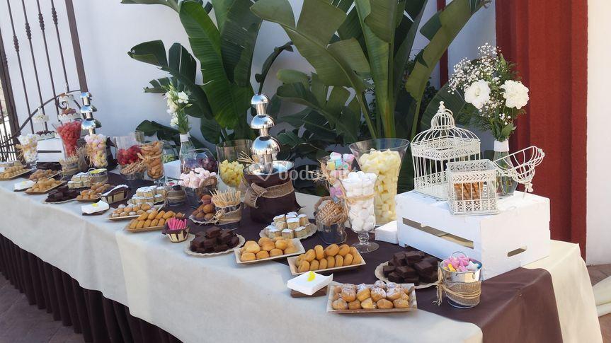 Mesa dulce con fruta