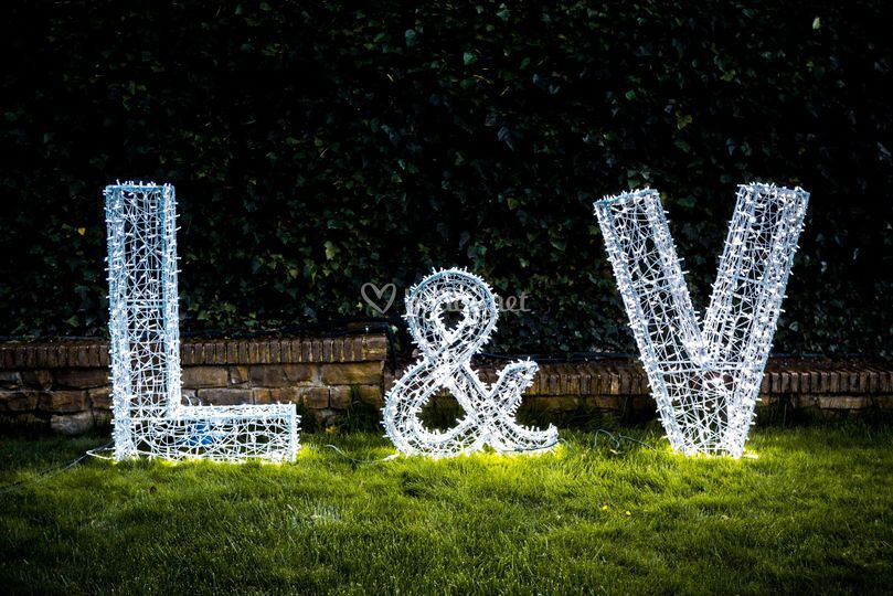 Iniciales led