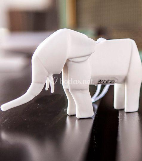Elefante de origami de porcelana