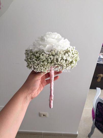 Rosmelia blanca con paniculata