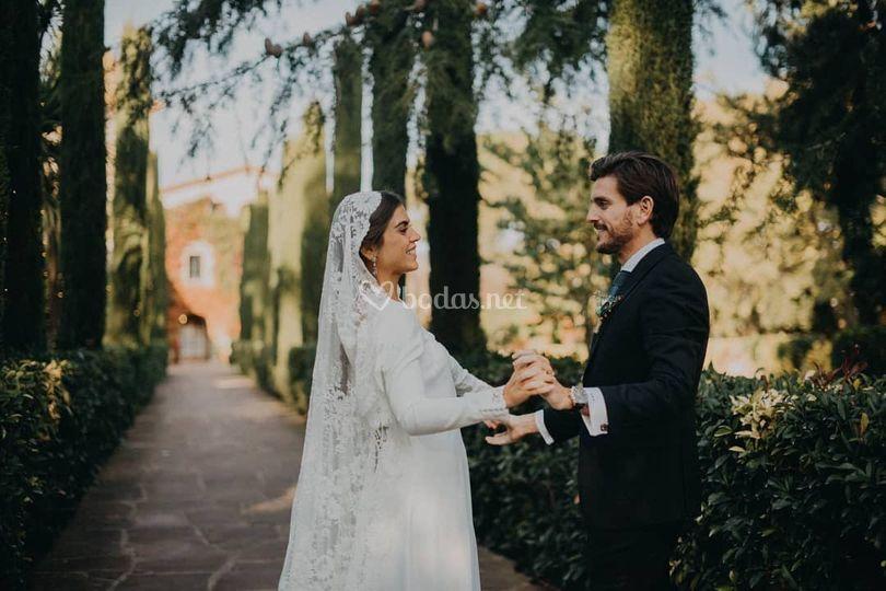 Vestido de novia con mantilla