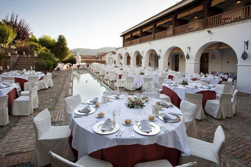 Banquete en el jardín, fuente árabe de Parador de Guadalupe