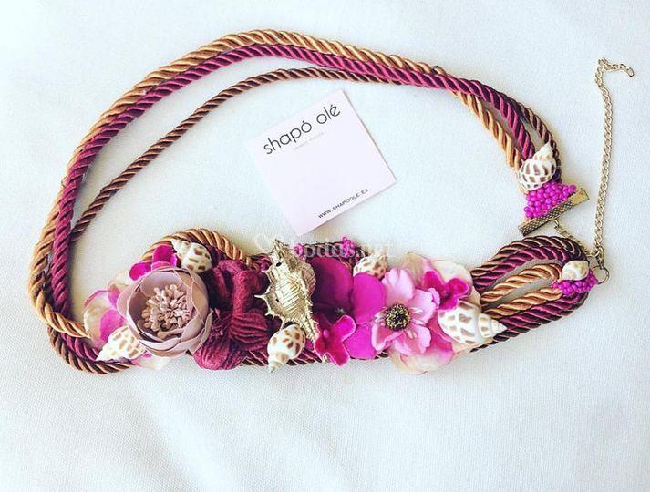 Cinturon conchas y flores