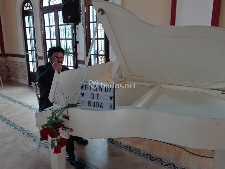 Banquete con piano