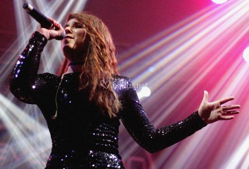 Cantante femenina