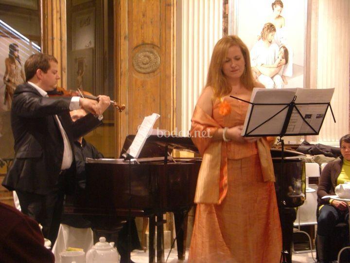 Soprano, violín, piano