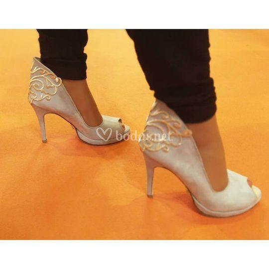c17bebd5 Zapatos a medida novias de CM López | Foto 2