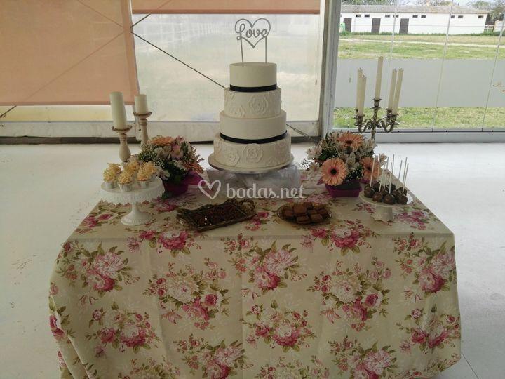 Mesa dulce y tarta