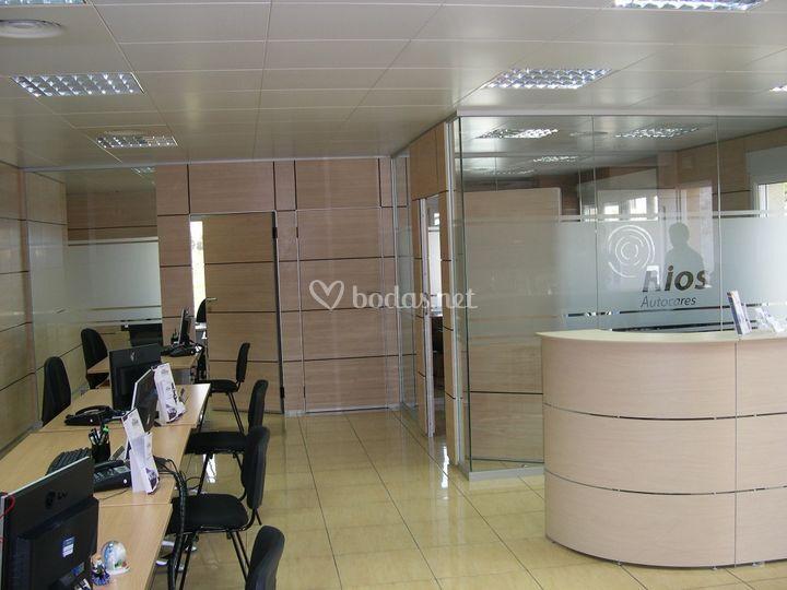 Oficinas autocares rios de autocares r os alicante foto 5 for Oficinas seur alicante