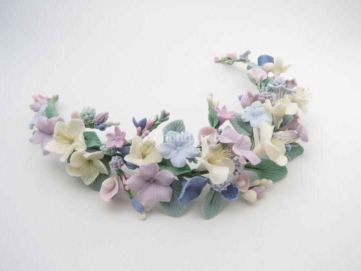 Tocado de novia de flores pastel