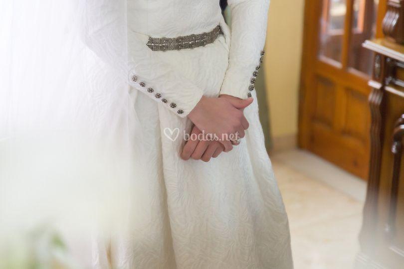 cinturones y botones de plata de tuca román | foto 44