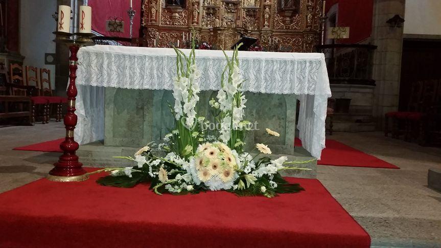 Composición de altar de iglesia