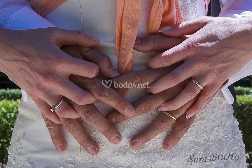 Detalle de manos y anillos