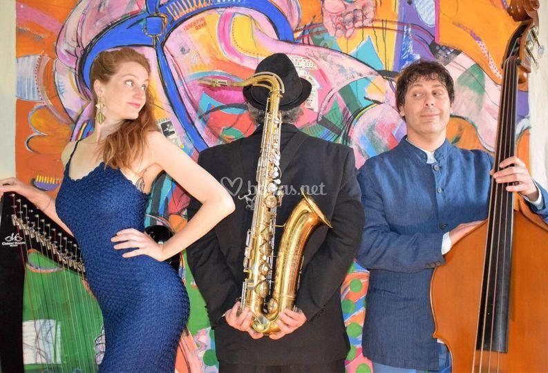 Trio Voz/arpa/saxo/contrabajo