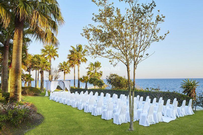 Hotel thb torrequebrada for Cancion secretos en el jardin