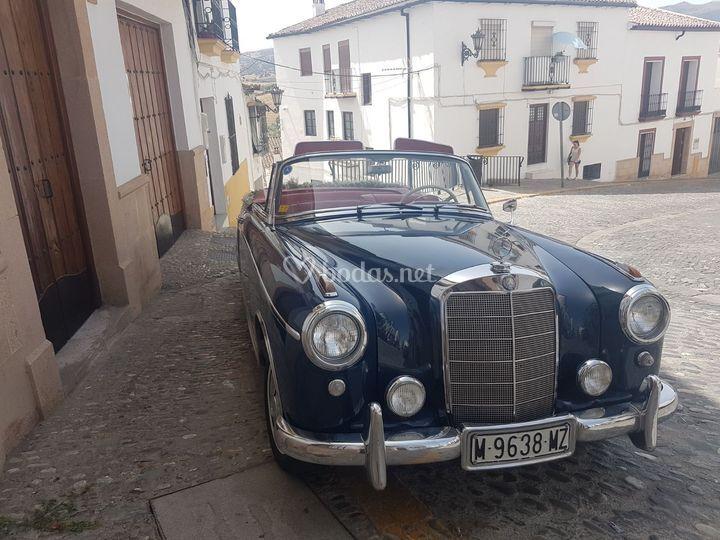 Mercedes220 s