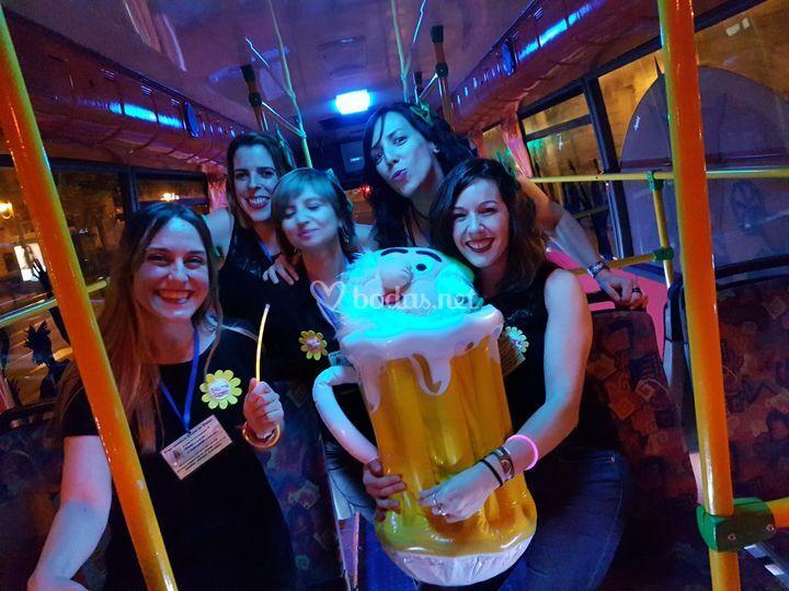 Chicas en partybus
