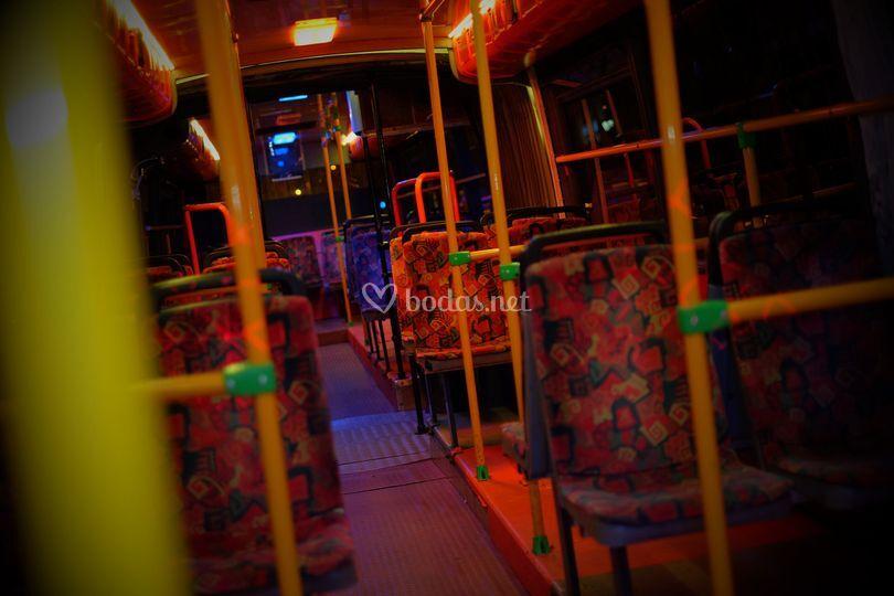Dentro de partybus