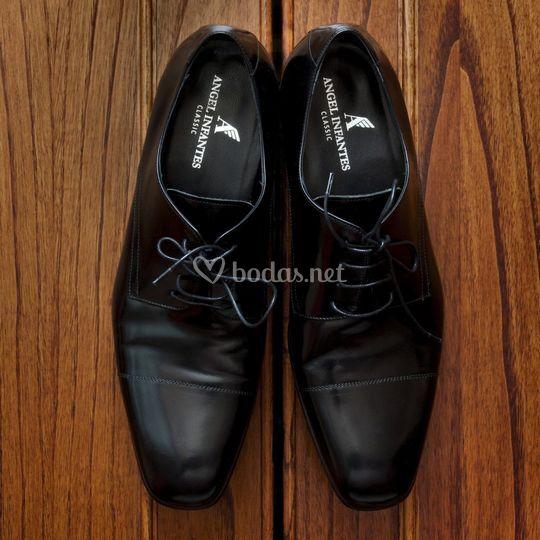 Los zapatos de el novio