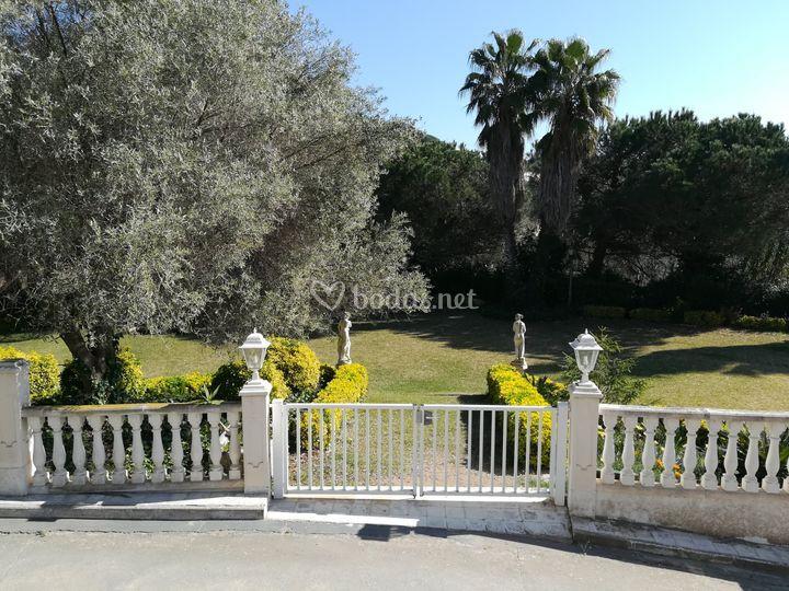 La entrada al jardín
