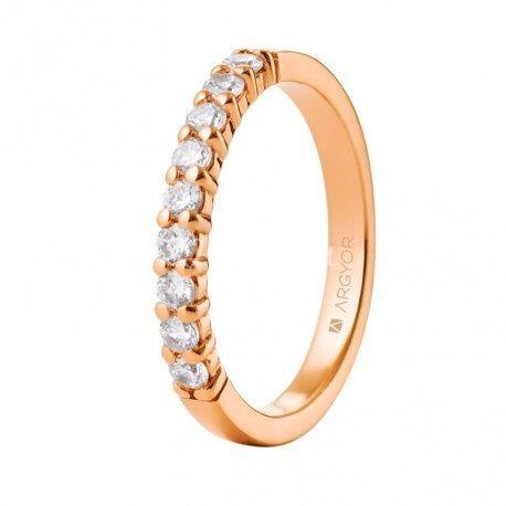 Anillo de oro rosa y diamantes