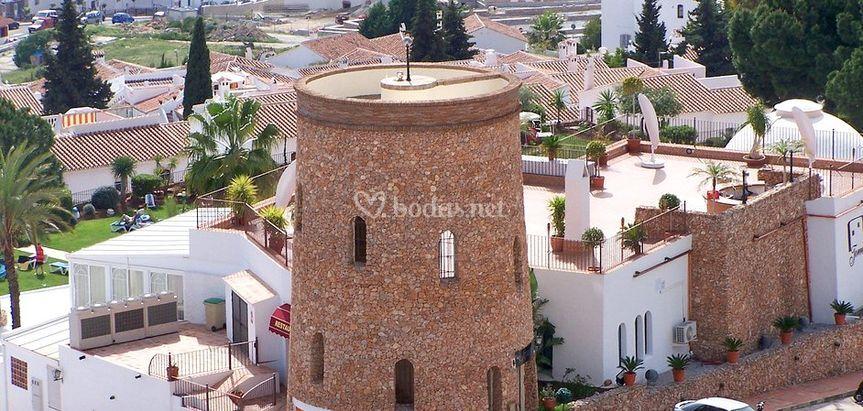 Torre y terraza