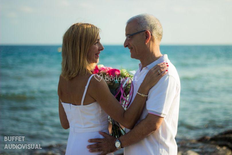 En la playa 25 años juntos