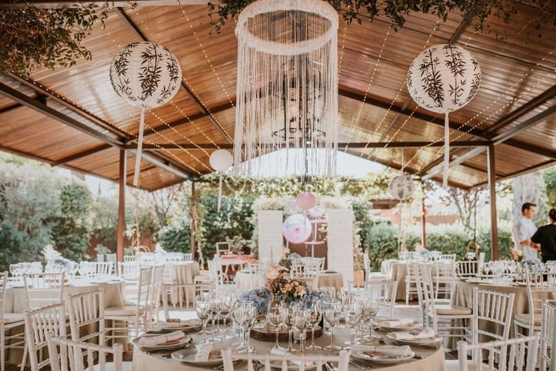 Banquete en el porche bohemio