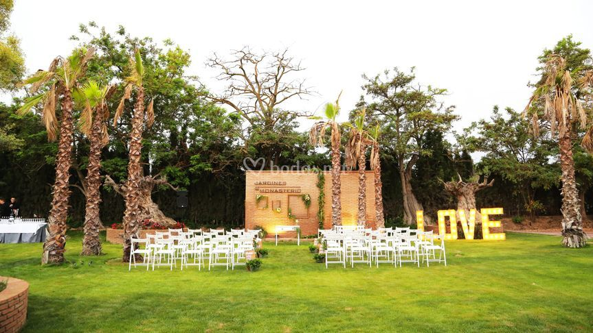 Jardines del monasterio - Decoracion jardin boda civil ...