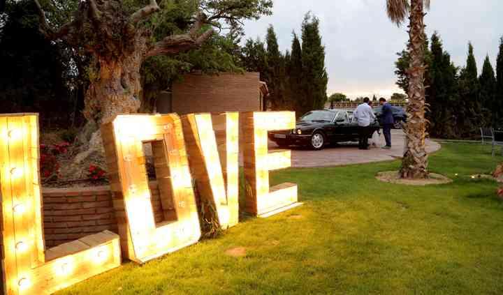 Love llegada con coche
