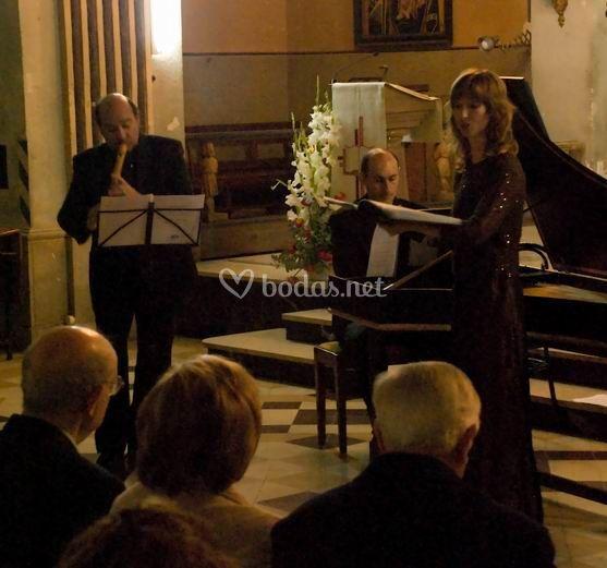 Trío barroco: soprano, flauta y clavecín