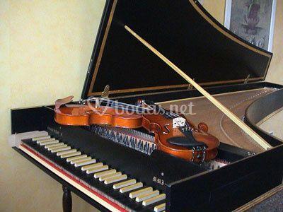 Clavecín y violines