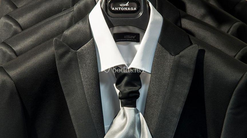 Corbata y chaqueta