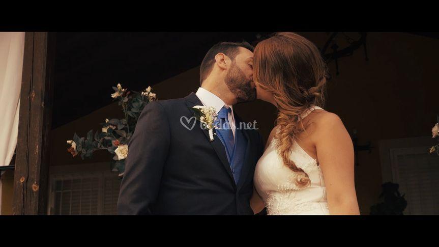 Beso en la sesión de pareja