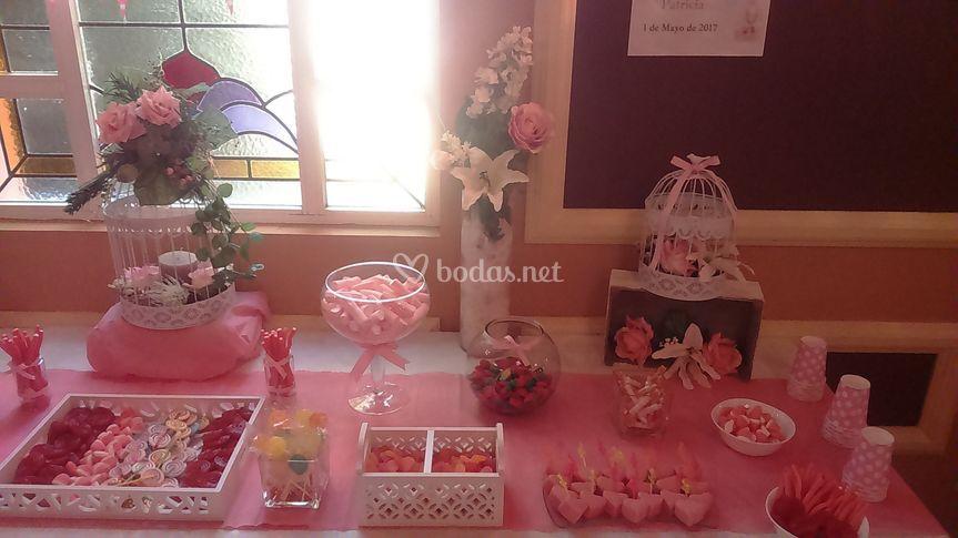 Mesa dulce tonos rosas