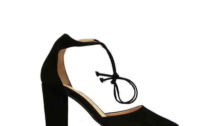 Sandalia de atar negra