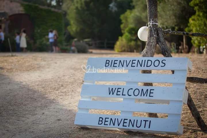 Letrero bienvenidos