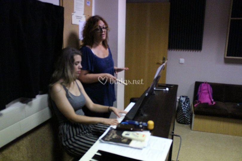 Pianista y mezzo soprano