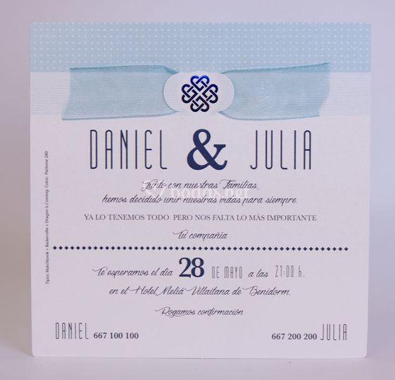Invitación en azul y blanco