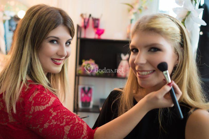 Sh Make-Up Studio