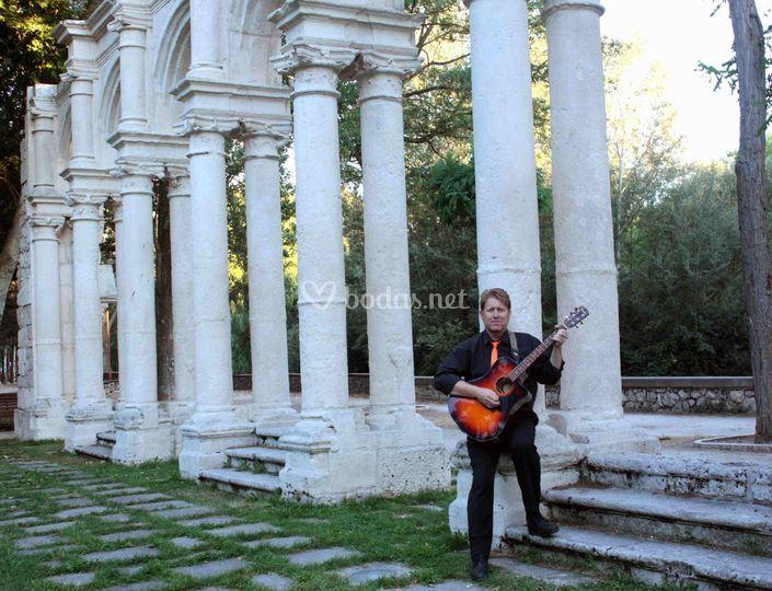 Con la guitarra