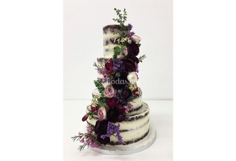 Burdeos Seminacked Cake