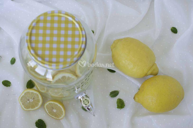 Un rincón con limonada