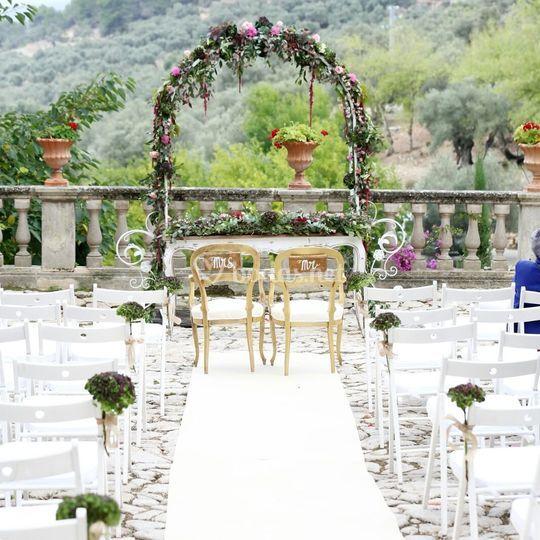 Arcos y estructuras para ceremonia