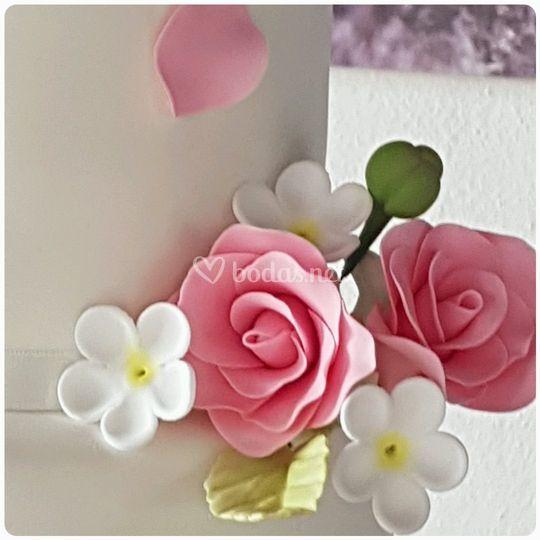 Flores en azúcar hechas a mano