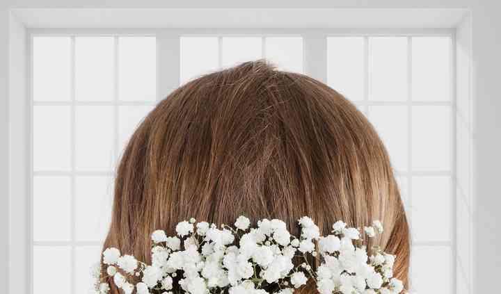Novia con detalle en el cabello