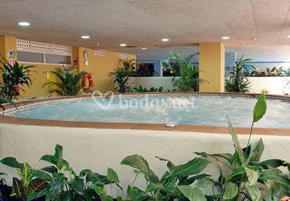Jacuzzi piscina climatizada