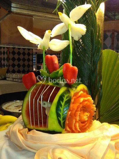 Tallado de sandias y frutas