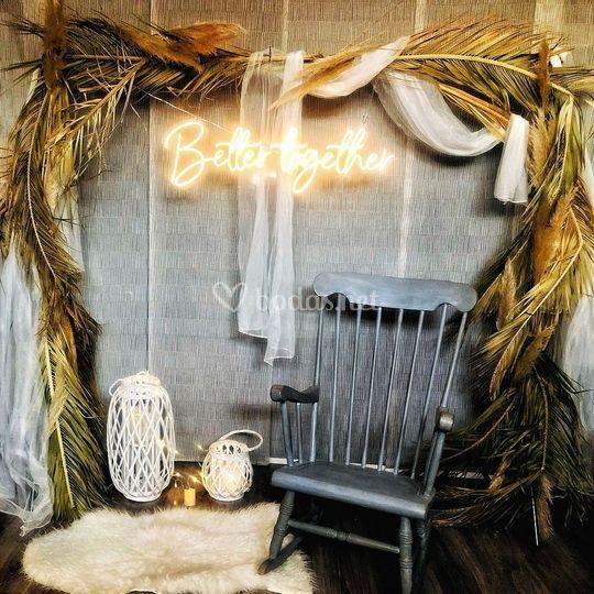 Photocall arco plantas y neón